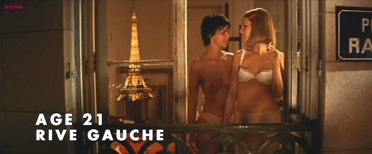 Gwyneth Paltrow sexy in lingerie - The Royal Tenenbaums (2001) hd720-1080p (14)