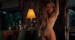 Heather Graham nude Julianne Moore nude -Boogie Nights (1997) hd1080p BluRay (7)