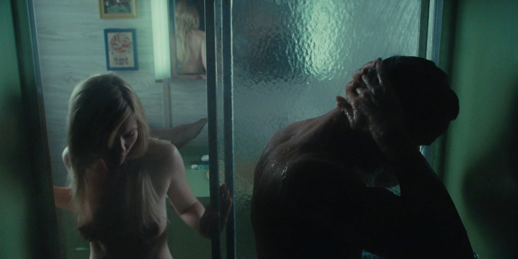Kirsten Dunst naked in the shower and topless - All Good Things HD 1080p BluRay (2)