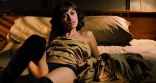Olga Kurylenko stripping to nude - Max Payne (2008) HD 1080p (9)
