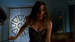 Jennifer Garner sexy and hot in - Arthur (2011) hd1080p