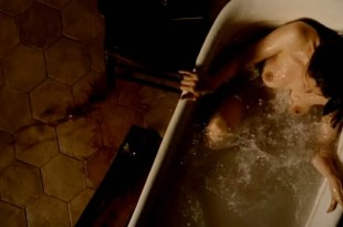 Laetitia Casta nude topless in the bath from – Derriere les murs (2011) hd720p