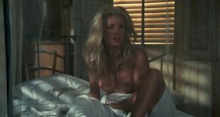 Catherine Deneuve nude topless - Le sauvage (1975) hd720p