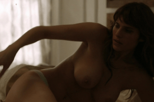 Lake Bell naked and first time nude topless in – How to Make It in America S2E03 hd720p
