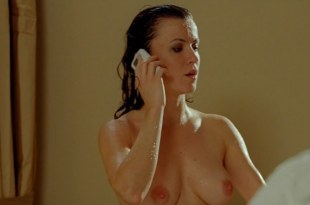 Natalia Avelon nude sex and butt naked in shower – Strike Back 2011) S02E07 hd720p