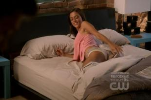 Jana Kramer hot ass in panties in – One Tree Hill S09E01 720p