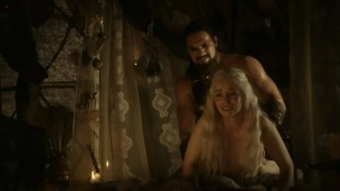 Emilia Clarke nude sex doggy style and lesbian love game with Roxanne McKee –  Game of Thrones S1E2 hd1080p