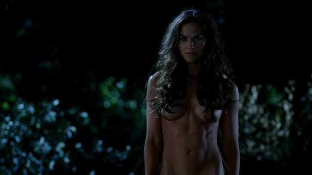 Kelly Overton nude butt naked - True Blood s5e1 hd720p (5)