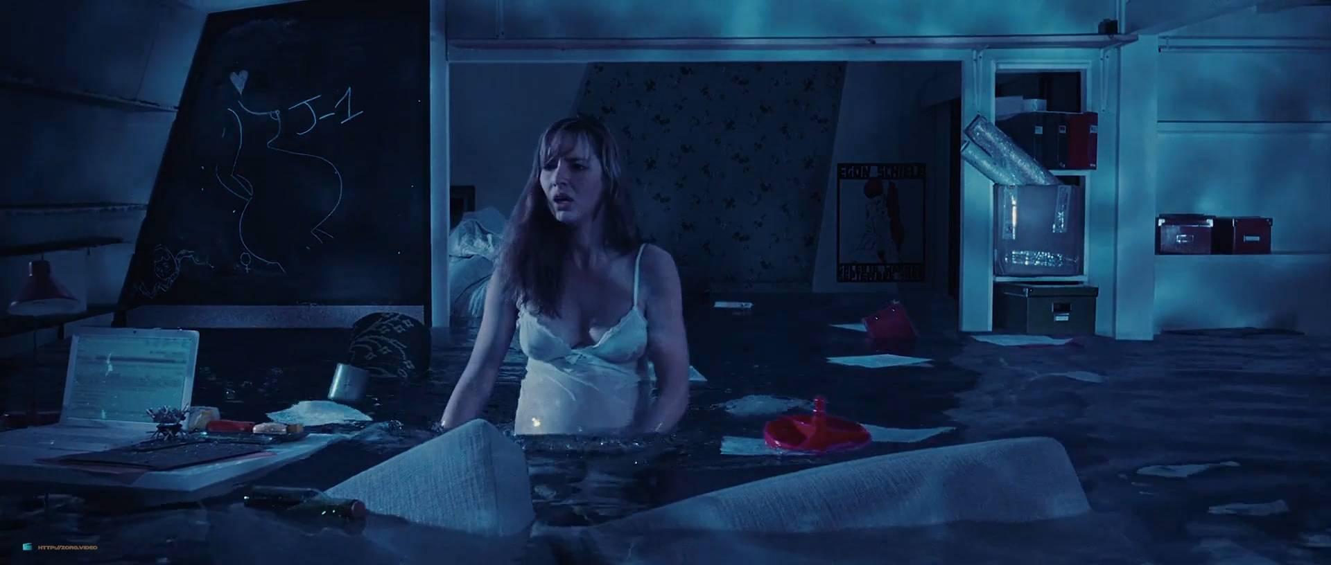 Louise Bourgoin nude and pregnant in - Unheureux événement (FR-2011) HD 1080p (8)