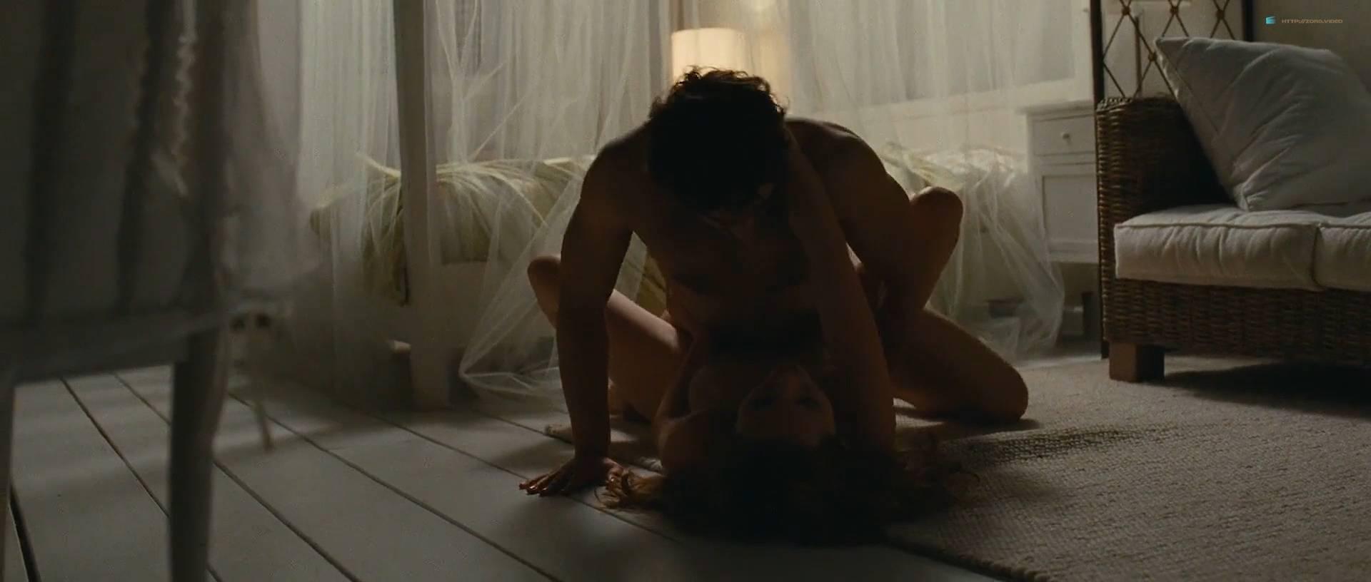 Louise Bourgoin nude and pregnant in - Unheureux événement (FR-2011) HD 1080p (2)