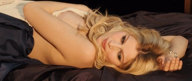 Laetitia Casta nude topless, Lucy Gordon hot, Ophélia Kolb nude - Gainsbourg Vie heroique (FR- 2010) hd1080p (26)