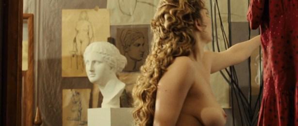 Laetitia Casta nude topless, Lucy Gordon hot, Ophélia Kolb nude - Gainsbourg Vie heroique (FR- 2010) hd1080p (33)