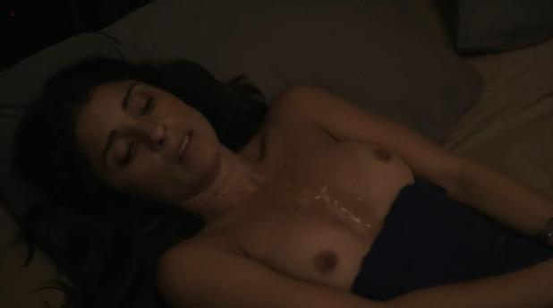 "Shiri Appleby first time naked topless and surprise on her tits! from TV ""Girls"" s2e9 hd720p"