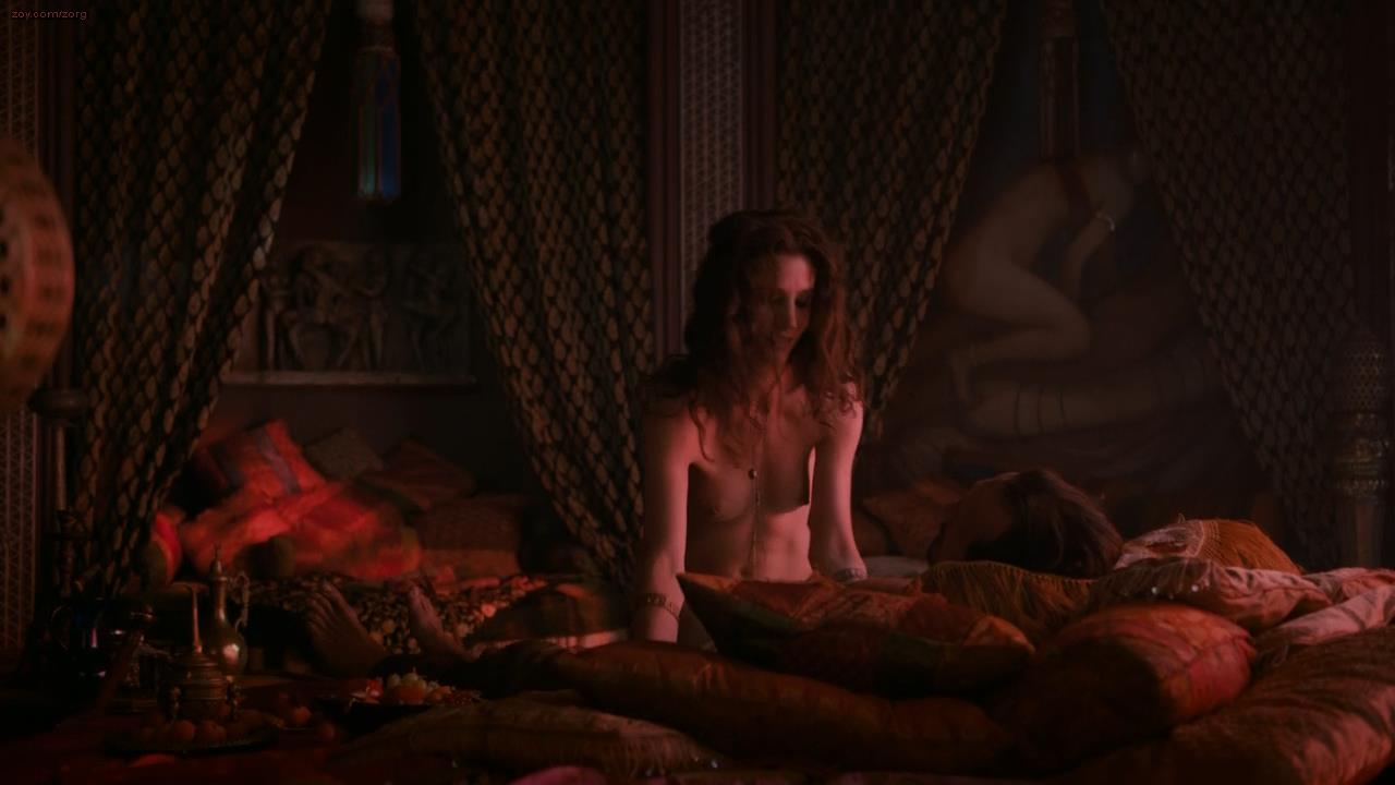 Elisa Lasowski naked showing here nude bare breasts - Game of Thrones s3e1 (2013) hs720p