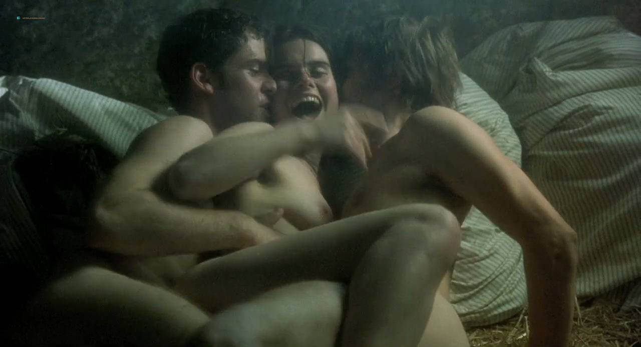 Kate Winslet and Rebecca Palmer naked Amelia Warner hot sexy - Quills (2000) HD 720p (8)