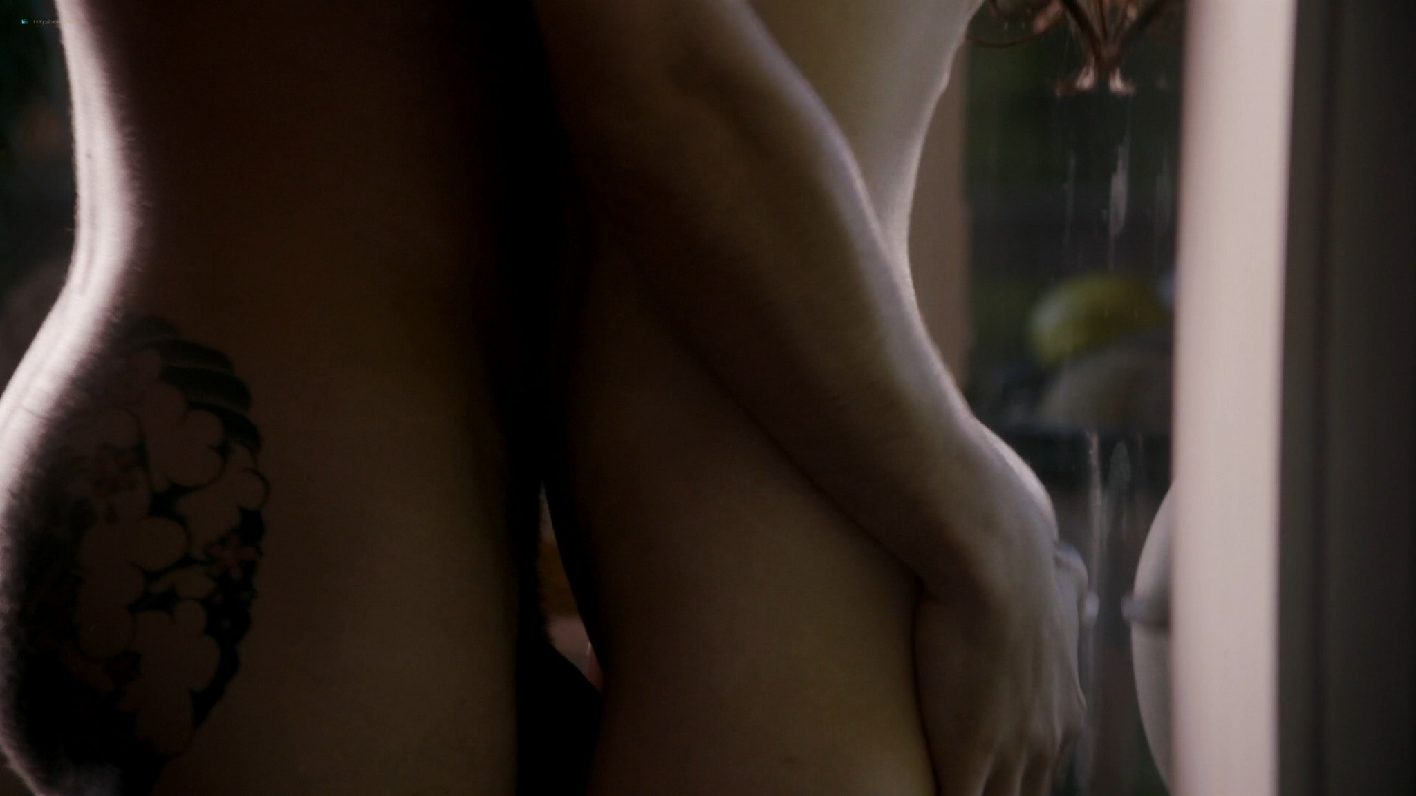 Kira Clavell nude full frontal Leah Gibson nude sex - Rogue (2013) s1e3 HD 1080p (19)