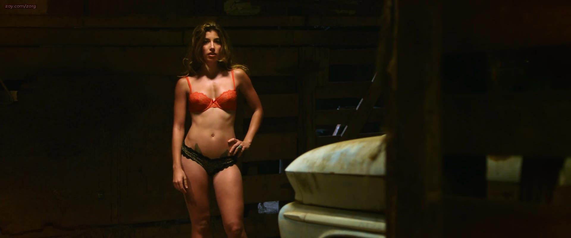 Tania Raymonde sexy lingerie - Texas Chainsaw 3D (2013) hd1080p