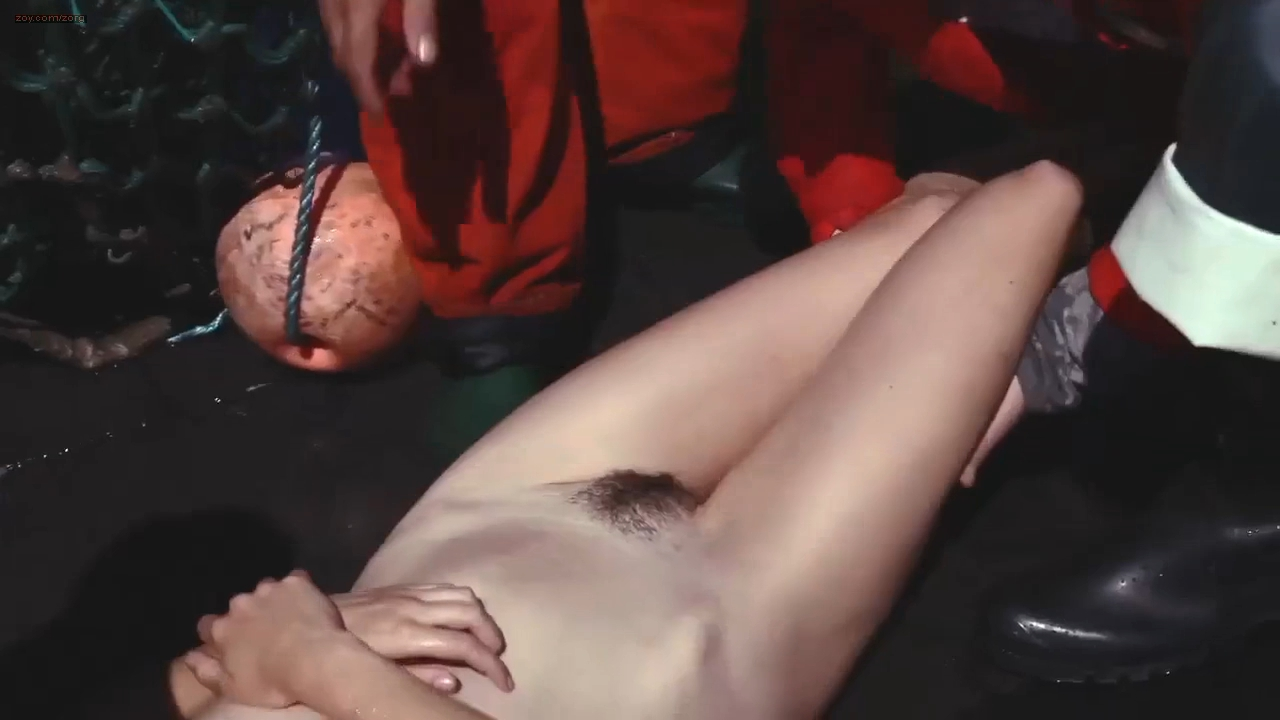 Camille Rowe nude full frontal - Deadliest Catch HD 720p (6)