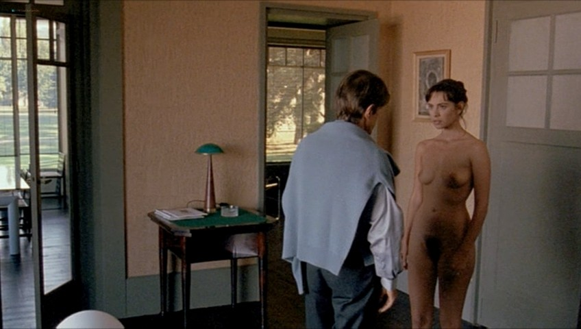 Mathilda May nude full frontal - Toutes peines confondues (1992) (7)
