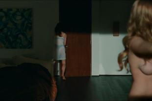Amanda Seyfried nude topless sex and lesbian and Julianne Moore nude topless shower lesbian – Chloe (2009) hd1080p