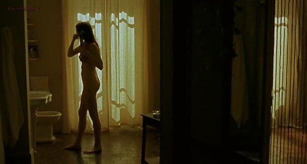 Leelee Sobieski nude topless and butt - L'idole (2002)