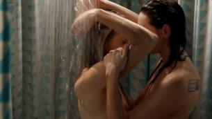 Taylor Schilling nude topless and lesbian and Laura Prepon nude topless in the shower - Orange Is The New Black s1e1 (2013) hd1080p