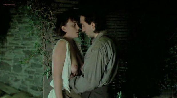 Keeley Hawes nude topless - The Last September (1999) (7)
