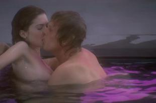 Lara Flynn Boyle brief nude topless in the bath – Afterglow (1997) hd720p