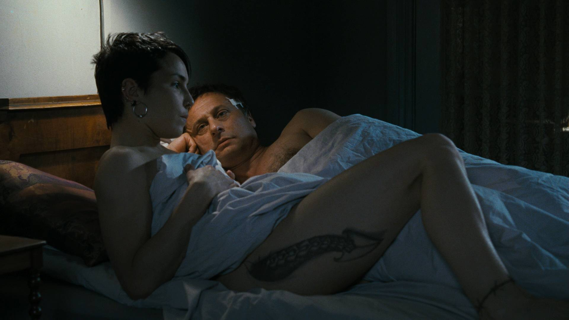 Girl with dragon tattoo noomi rapace