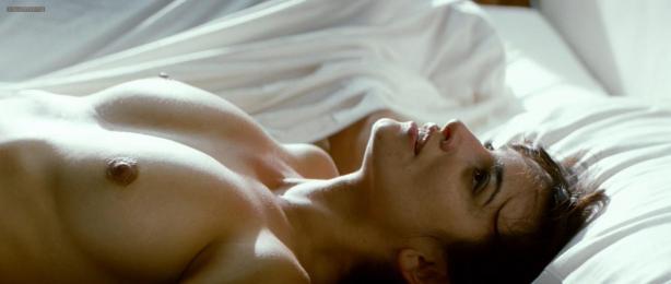 Penelope Cruz nude topless - Los abrazos rotos (2009) hd1080p