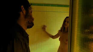 Holly Hunter nude topless and bush - Thirteen (2003) hd720-1080p