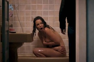 Katherine Heigl nude in the shower but covered the good parts – One for the Money (2011) HD 1080p