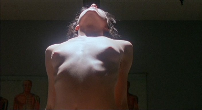 Molly Parker full frontal nude and sex with the dead dude - Kissed (1996) 480p (3)