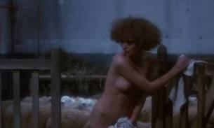 Marina Pierro nude sex Gaelle Legrand and Pascale Christophe nude bush and sex - Les heroines du mal (1979) (7)