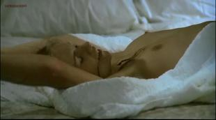 Teresa Ann Savoy nude bush and topless - Le faro da padre (1974)
