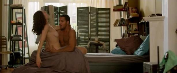 Anna Drijver nude topless sex - Smoorverliefd (2013)