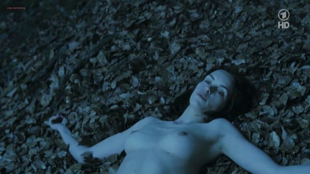 Nina Hoss nude full frontal bush and skinny dipping - Das Herz ist ein dunkler Wald (2008) HDTV 720p (9)