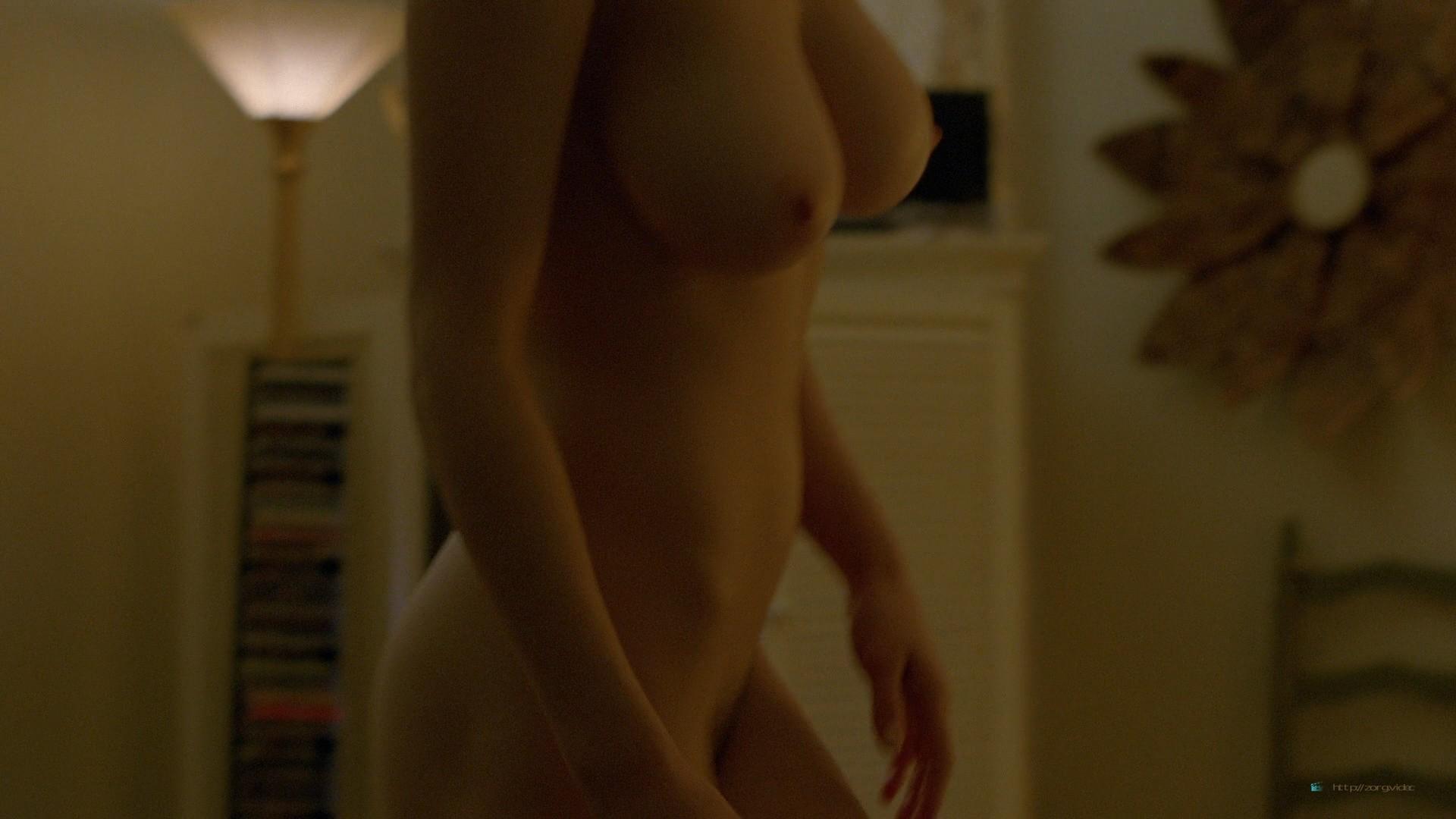 Alexandra Daddario nude topless (11)