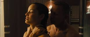 Bérénice Marlohe hot sexy and sex in the shower – Skyfall (2012) hd1080p