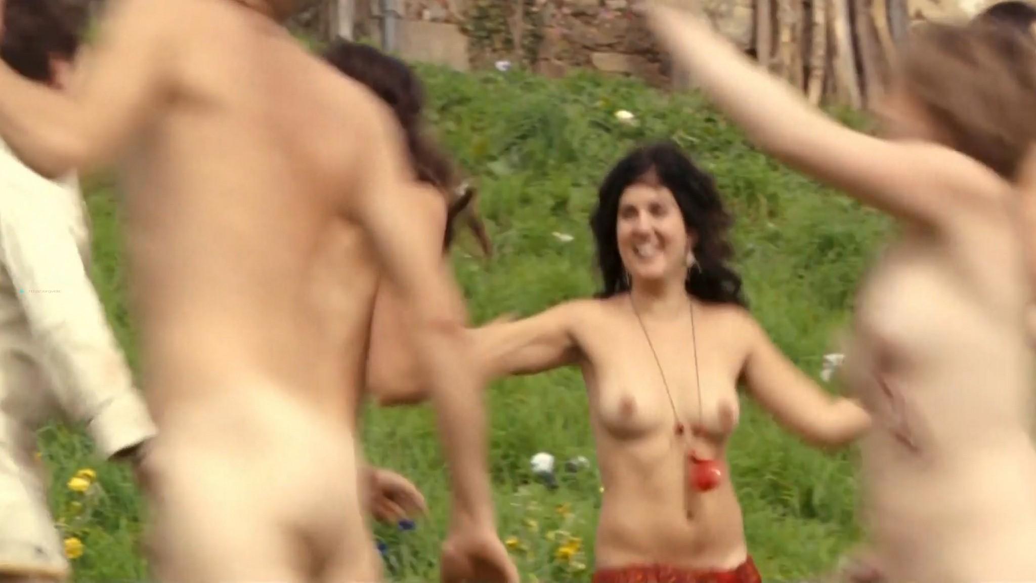 Laetitia Casta nude butt naked topless and hot sex - Nés en 68 (2008) HD 1080p (9)
