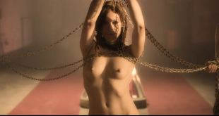 Antje Nikola Mönning nude bush and Carolina Hoffmann nude full frontal - Illusion (DE-2013) (17)