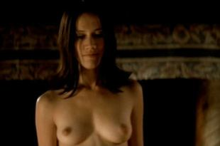 Marie Ravel nude sex Cecile Cassel nude and Alice Taglioni hot – La Bande du Drugstore (FR-2002)
