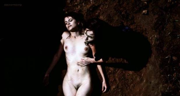 Melanie Laurent nude full frontal in - L' amour cache (2007) (1)