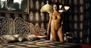 Flora Martínez nude full frontal and nude topless in - Canciones de amor en Lolita's Club(ES-2007) (11)