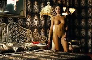 Flora Martínez nude full frontal and nude topless in – Canciones de amor en Lolita's Club(ES-2007)