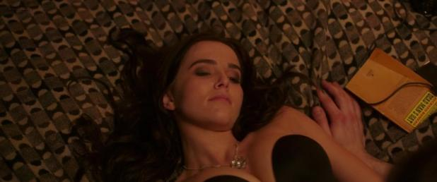 Zoey Deutch Hot And Sexy In Black Lingerie And Some Mild -7282