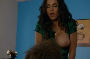 Nishi Munshi nude brief topless and dirty talks – Californication (2004) s7e3 hd720p