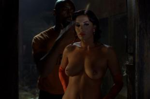 Francesca Rettondini nude topless and butt – Ghost Ship (2002) hd720p