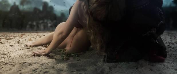 Yvonne Catterfeld nude but covered and butt crack - La belle et la bête (2014) HD 1080p (12)