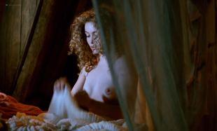 Emmanuelle Béart nude topless Ornella Muti hot wet - The Voyage of Captain Fracassa (1991) HD 1080p BluRay